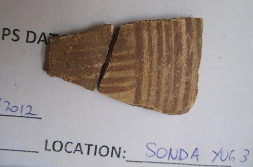 Foto delle ceramiche (in sonda Yug3) sulla Piramide della Luna